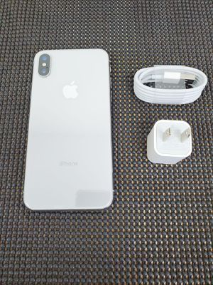 IPHONE X..64GB UNLOCK FOR ANY SIM for Sale in Los Angeles, CA