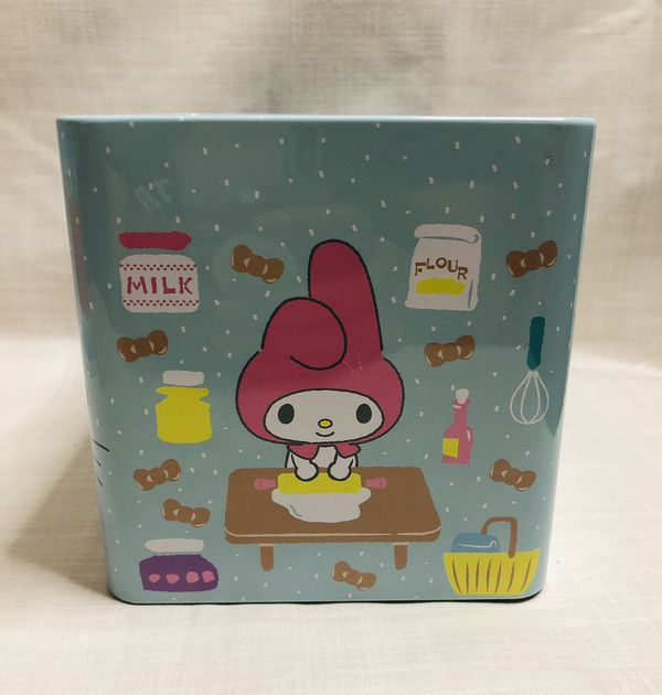 Sweet Treats Sanrio Hello Kitty and Friends collectable Tin