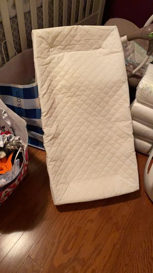 Baby tub and Changing table pad for Sale in Boiling Springs, SC