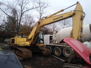 Komatsu excavator for Sale in Upper Marlboro, MD