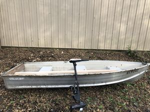 Starcraft aluminum fishing boat with motor for Sale in FOX RV VLY GN, IL