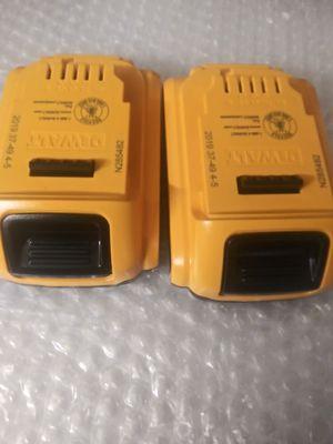 2 batería s dewalt 2.0 ah for Sale in Midlothian, IL