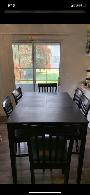6 seating table with leaf for Sale in Fresno, CA