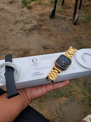 new apple watch series 5 44mm GPS ONLY no cellular all work 100% there nothing wrong with brand new with box all work 100% $600 or closer OFFER for Sale in La Habra, CA