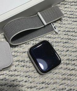 Apple Watch Series 4 Lte/Wifi Unlocked for Sale in Port St. Lucie, FL