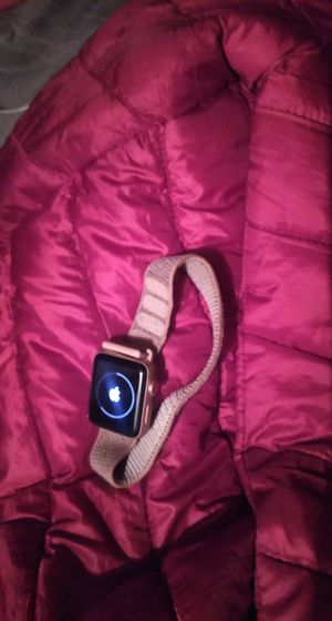 Apple Watch 3 series pink for Sale in Kagel Canyon, CA