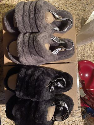 Ugg Fluff Yeah Slides Size 8 for Sale in Puyallup, WA