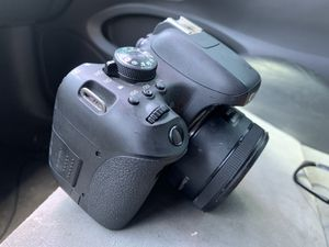 Canon T6i with some extras for Sale in San Antonio, TX