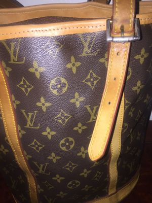 Louis Vuitton extra tall bucket bag for Sale in Plantation, FL
