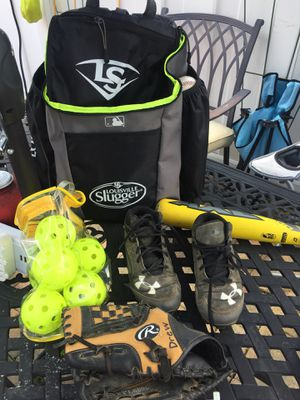 Boys baseball lot left handed under armor cleats for Sale in High Point, NC