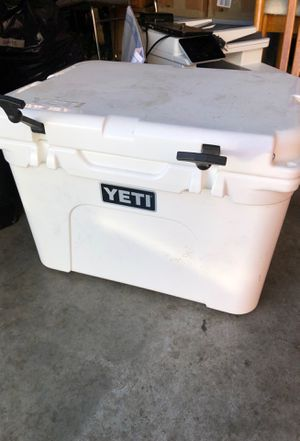 Yeti cooler for Sale in New Albany, OH
