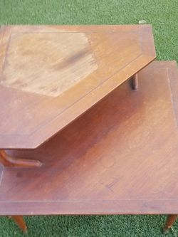 Walnut 1950's Mid-Century Modern Lane Step Table for Sale in Calabasas,  CA