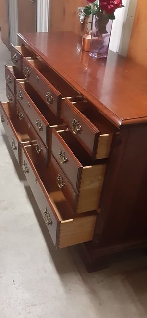 QUALITY SOLID WOOD 8 DRAWERS DRESSER ALL DRAWERS SLIDING SMOTHY EXCELLENT CONDITION for Sale in Fairfax, VA