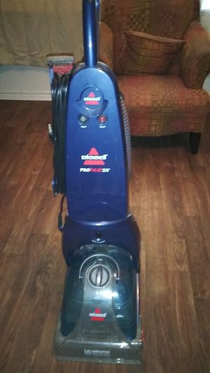 Bissell pro heat 2x CARPET CLEANER for Sale in Fort Worth, TX