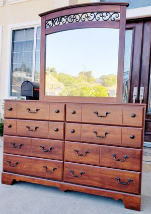 Beautiful SOLID WOOD 8 Drawer Drawers Chest Clothes Storage Organizer Stand Unit Cabinet + Matching Vanity Mirror INCLUDED for Sale in Monterey Park, CA
