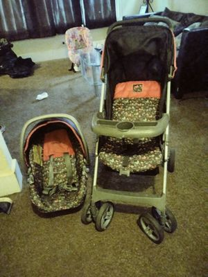 Carseat and stroller for Sale in Detroit, MI