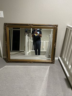 Mirror with no flaws for Sale in Rancho Cucamonga, CA