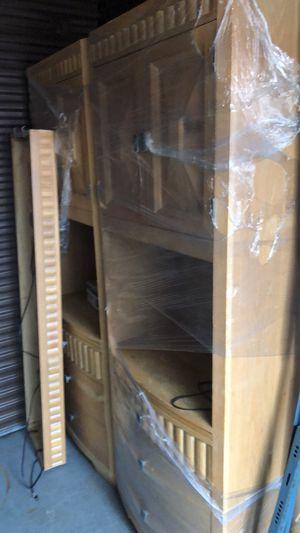 BROYHILL bedroom set. Head board 2 dresser bed sides and Frame for Sale in Muskegon, MI