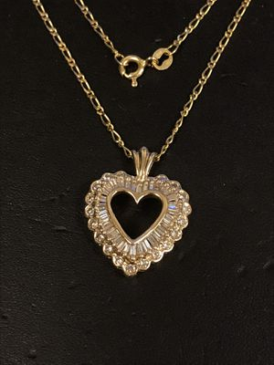 Diamond heart and gold chain for Sale in Riverview, MI
