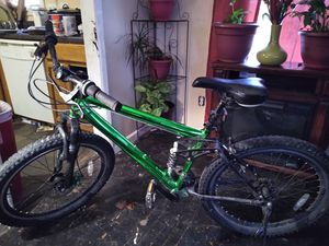 Mountain bike for Sale in Whitehall, OH