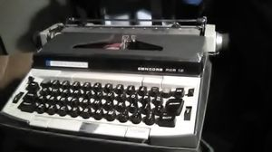 Vintage Typewriter for Sale in Sanger, CA