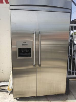 Thermador Side by Side Refrigerator Built in for Sale in Los Angeles, CA