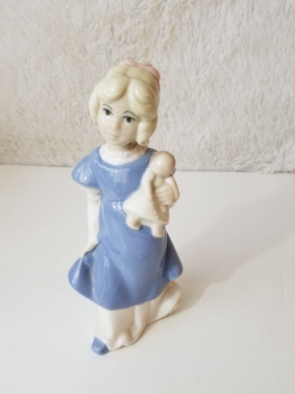 Hummelwerk Rex Valencia Spain Porcelain Figurine~GIRL WITH DOLL OR BABY