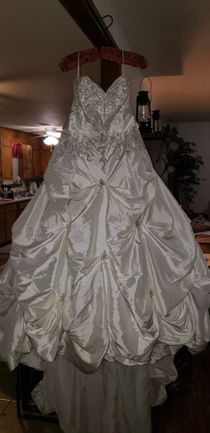 Morilee wedding gown size 22 for Sale in Beebe, AR