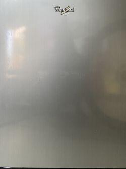 Whirlpool Mini Fridge for Sale in Martinez,  CA