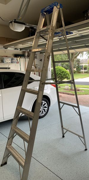 8 foot aluminum ladder for Sale in Clermont, FL