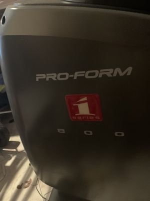 Pro form series 1- 800 model eleptical in very good conditions for Sale in Dallas, TX