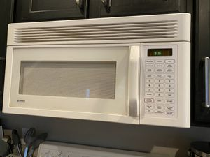Kenmore over stove microwave for Sale in Kent, WA