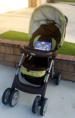 Graco - Fast Action Stroller - ( Free Bobby) Super Lightweight & easy fold - Like New Condition! for Sale in Hemet, CA
