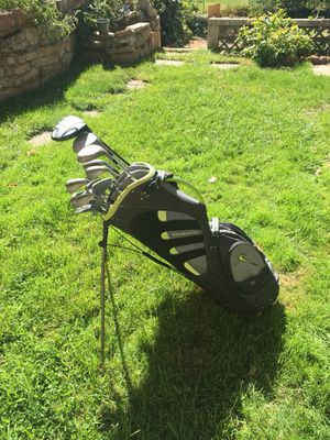 Nike Sasquatch Carry Bag + Golf Clubs for Sale in Salt Lake City, UT