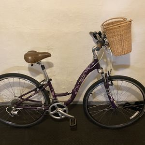 Trek Bicycle, Women's Cruiser w/ Removable Basket for Sale in Millersville, MD