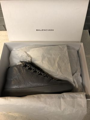 Balenciaga Men's Arena Leather Sneaker - Size 10 for Sale in MIDDLE CITY EAST, PA