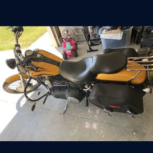 2011 Harley Davidson Dyna wide glide for Sale in Christiana, TN