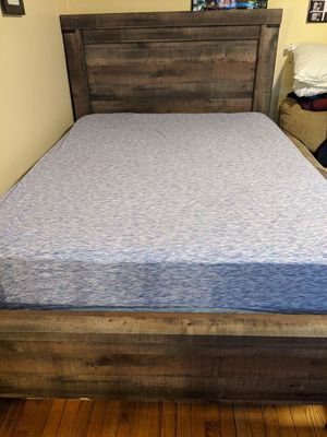 BED FRAME, MATRESS AND BOX SPRING!!! for Sale in Springfield, MA
