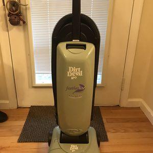 Dirt Devil Featherlite Vacuum for Sale in Goldsboro, PA