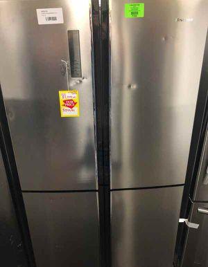 Hisense 20-cu ft 4-Door Counter-depth French Door Refrigerator with Ice Maker ASI for Sale in Dallas, TX