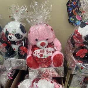 Frisco/Dallas, TX- 2021 Happy Valentines Day I Love You Gift Basket Bear Monkey Panda Dino Unicorn! for Sale in Frisco, TX