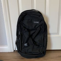 Dakine Mission 25L Backpack (NEW, never used) - Great For Backcountry/snowboarding/skiing for Sale in San Diego,  CA