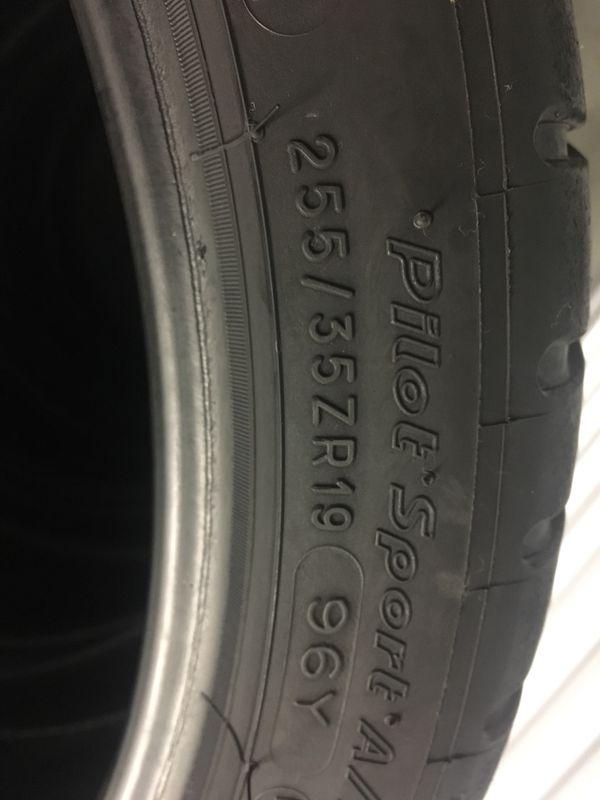 255 35 19 Michelin pilot super sport set of 4