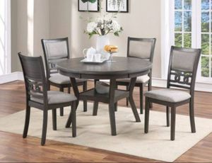 grey round dining table set with 4 chairs for Sale in Fontana, CA