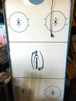 Air hockey table for Sale in Grove City, OH