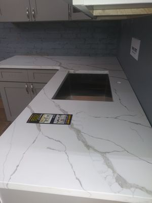 Shark gray floor model including quartz counter sold as is for Sale in Newark, NJ