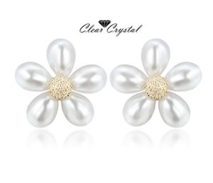 Luxurious Earrings Jewelry Flower Shape for Sale in Aldie, VA