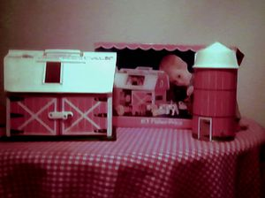Fisher Price 1967 Play Family Farm #915 for Sale in Sioux Falls, SD