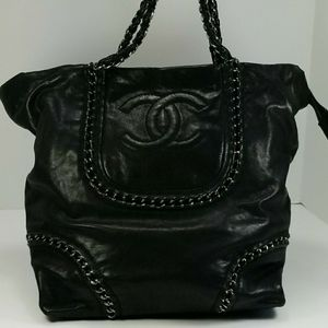 Chanel Tote Black Glazed Caviar Leather w/Dust Bag for Sale in Glenview, IL