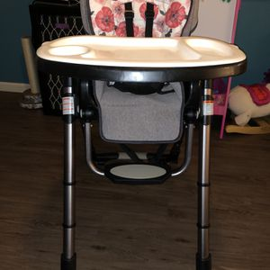 Baby Trend High Chair for Sale in La Habra, CA